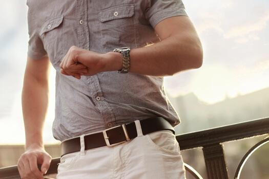 fashion-man-wristwatch-model-medium