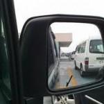 車の駐車はサイドミラーで決まる!失敗しない3つの手順を紹介