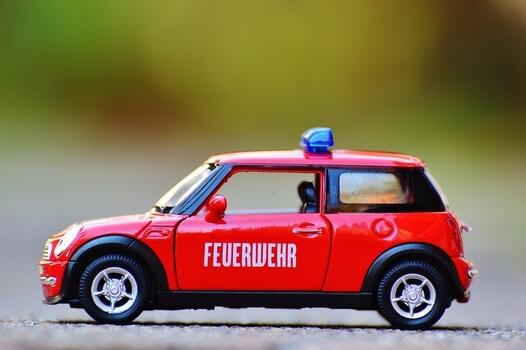 fire-mini-cooper-auto-model-car-medium