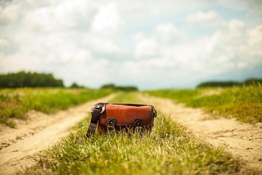 road-fashion-vintage-bag-medium