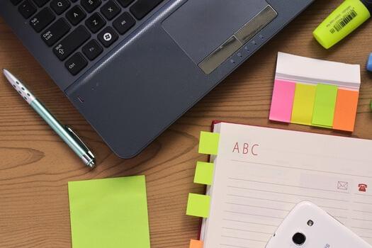 desk-laptop-notebook-pen-medium