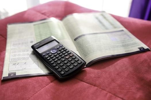 calculator-scientific-medium (1)