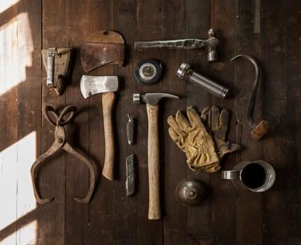 construction-work-carpenter-tools-medium