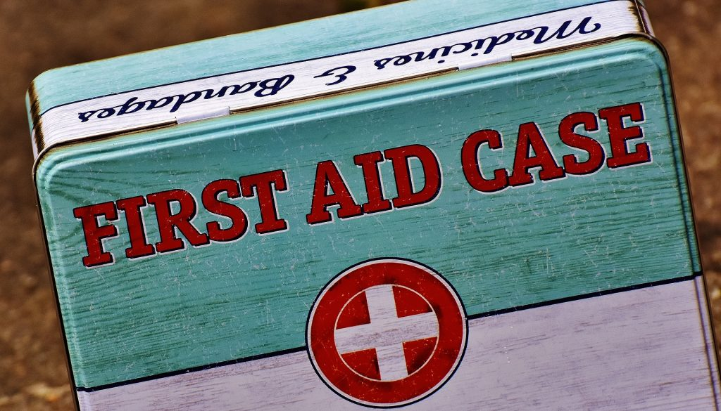 first-aid-1732523_1920