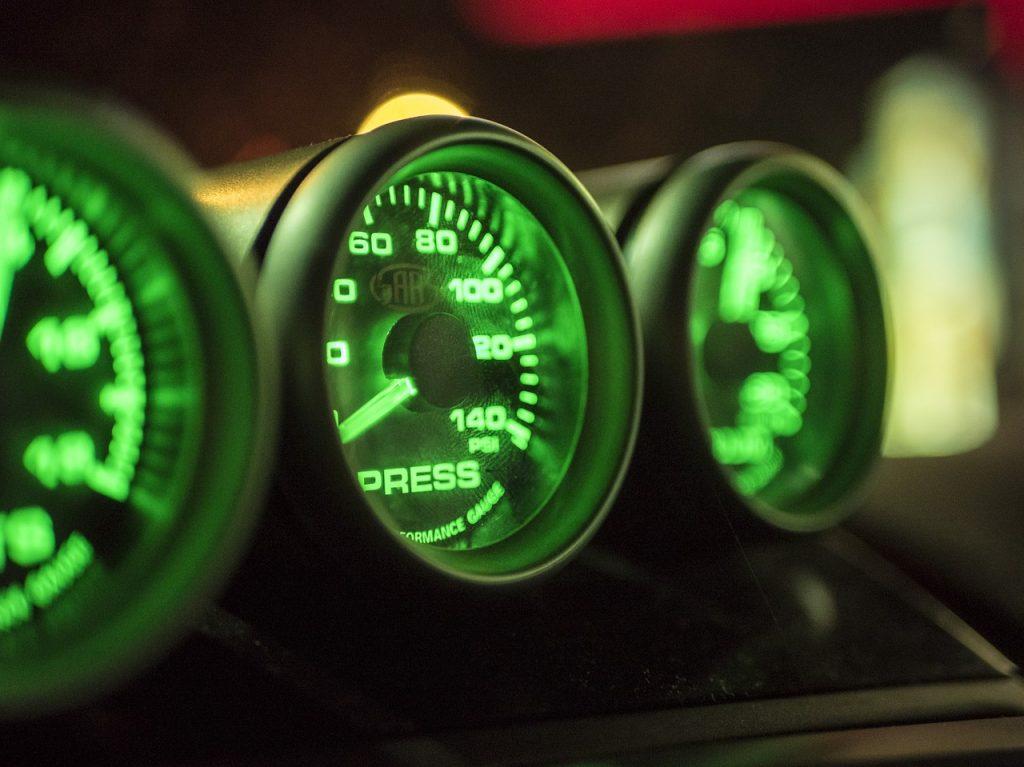 gauges-1242537_1280