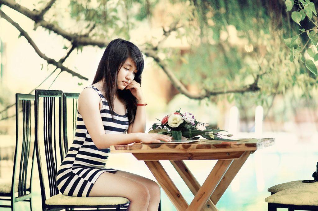 girl-1721404_1280