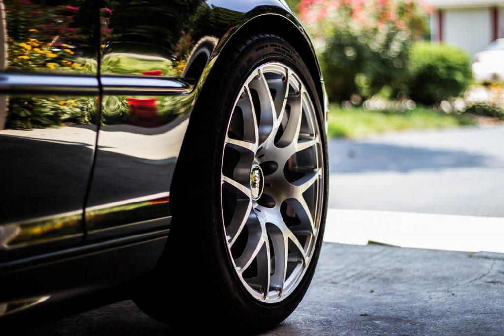 car-tire-1031579_1280