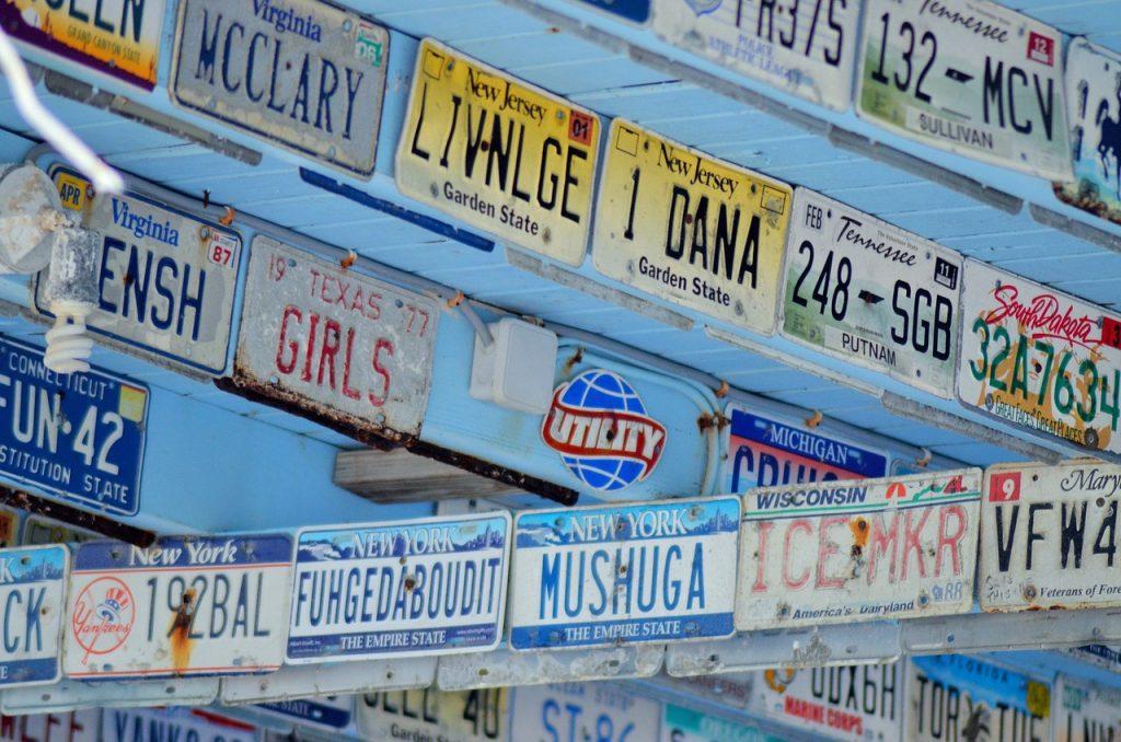 registration-plates-1388915_1280