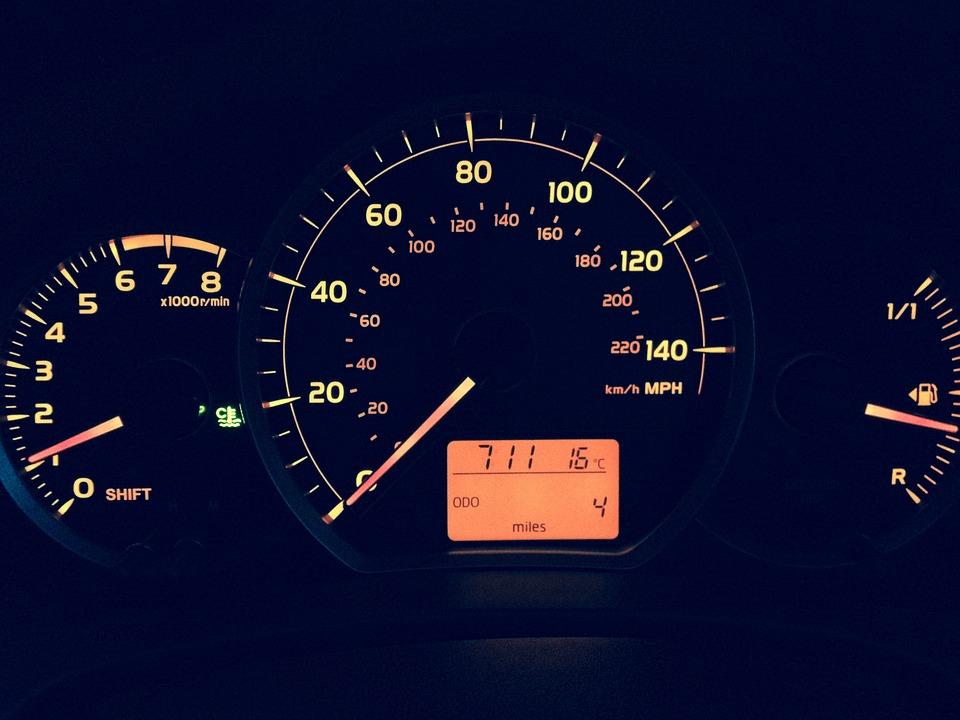 car-773360_960_720