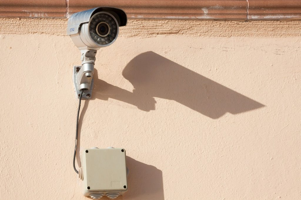 surveillance-camera-573532_1280