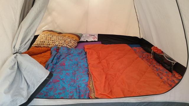tent-1345673_640