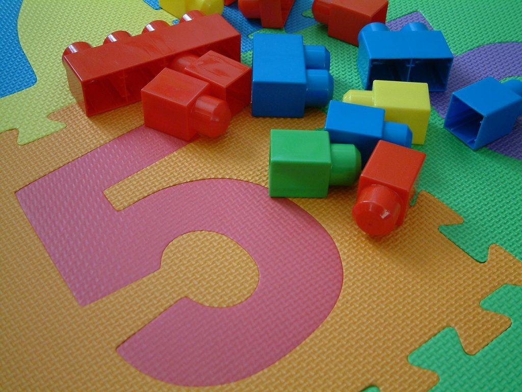 toys-308176_1280