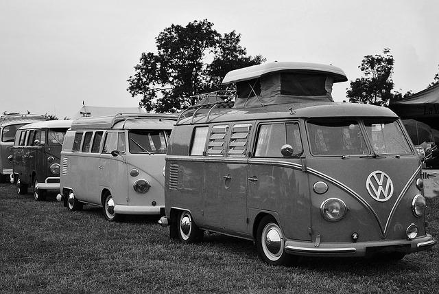 vw-camper-1939343_640